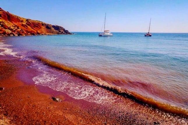 red_beach_in_santorini